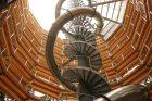Z věže stezky je možné sjet tobogánem, který se ukrývá v útrobách věže