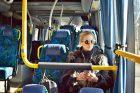 Cestující v autobuse (ilustrační foto)