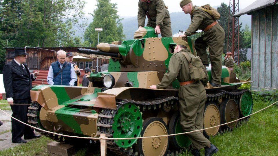 Hvězdou mezi exponáty je renovovaný tank Praga LPT