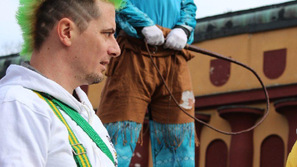 Masopust v Novém Boru: Bubeník a kejklíř