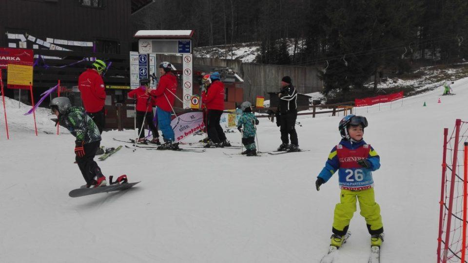 Na Ještěd zamířily stovky lyžařů