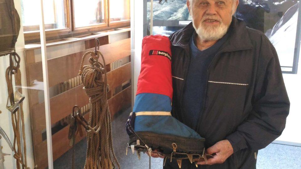 V 76 letech zdolal Mont Blanc, v libereckém muzeu se na svět můžete podívat objektivem jeho fotoaparátu. Jan Červinka patří mezi českou horolezeckou elitu