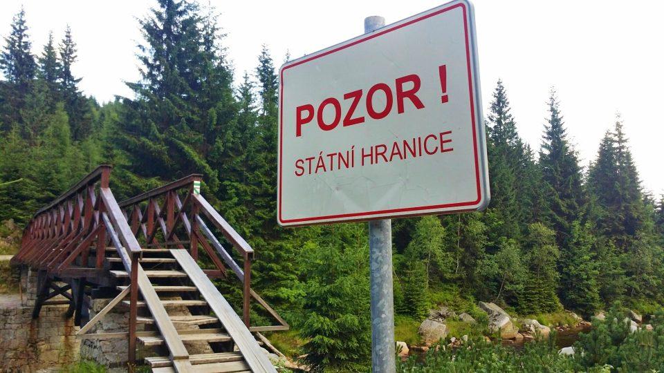 Na polskou hranici se dostanete přes Karlovský most nad Jizerou