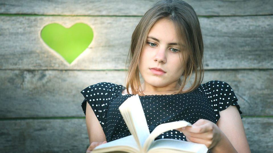 Čtenářka (ilustrační foto)