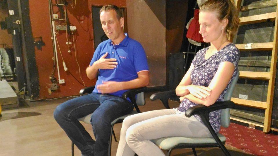 Tlumočníci do znakového jazyka budou překládat přímo na jevišti