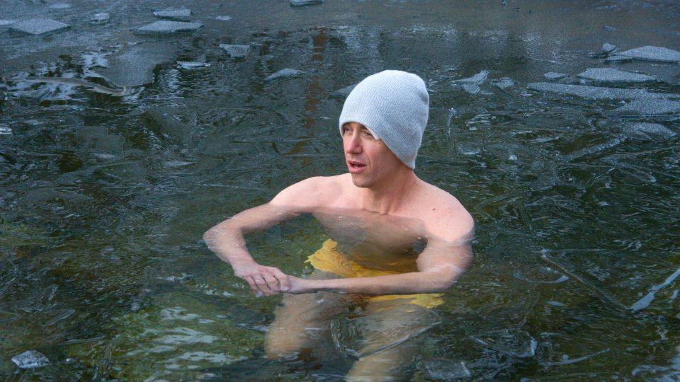 A tady už je Jan Vondrák ve vodě