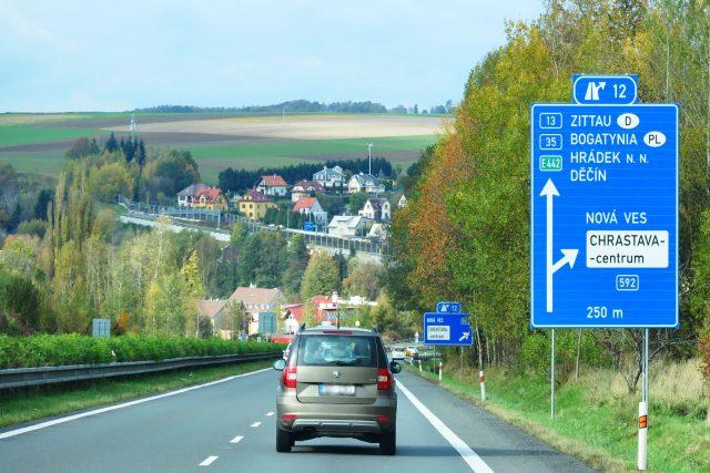 Silnice v Libereckém kraji směr Hrádek nad Nisou,  Žitava  (ilustrační foto)   foto: Jaroslava Mannová,  Český rozhlas Liberec