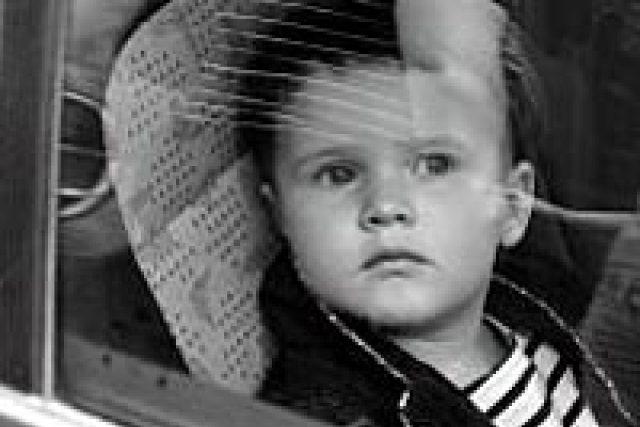 dítě v autě