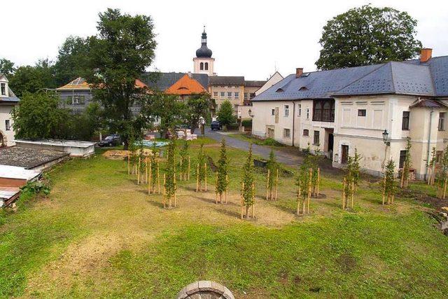 Pohled na areál komendy | foto:  Archeologický ústav AVČR