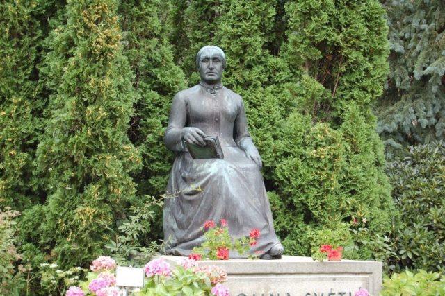 Josef Bílek (sochař) Vilém Kvasnička (architekt): Pomník Karolíny Světlé ve Světlé pod Ještědem, 1931
