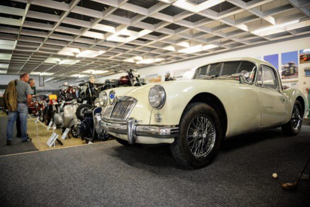 V Liberci vzniklo technické muzeum, návštěvníci uvidí automobily, motocykly i tramvaj