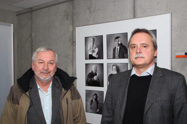 Co všchno se z nanovláken vyrábí? Nastinili Oldřich Jirsák (vlevo) a Ladislav Mareš