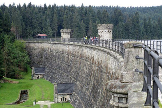 Přehrada má rozlohu přibližně dvaačtyřicet hektarů a vybudována byla na počátku 20. století