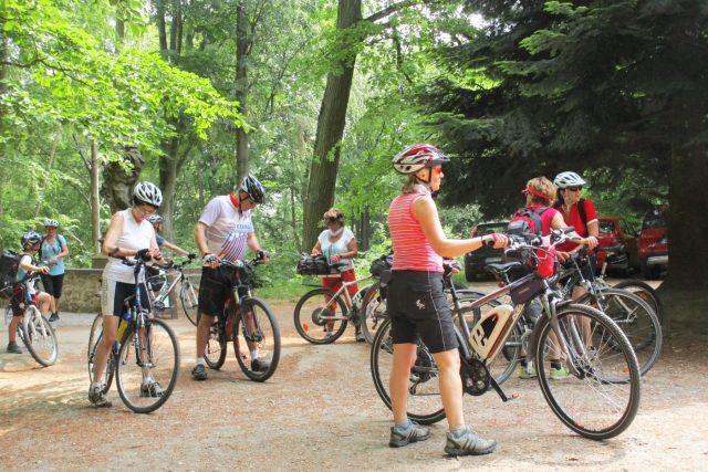 Skupina cykloturistů  (ilustrační foto) | foto: Jaroslava Mannová