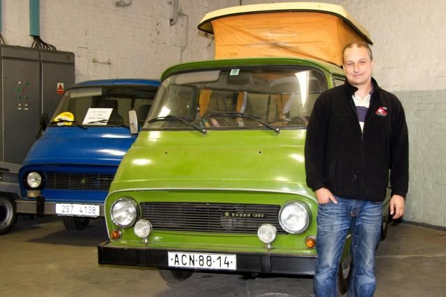 Luboš Skalický a Škoda 1203 v kempové úpravě