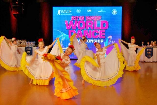 Na tanečním MS v Liberci se soutěží ve všech stylech. Od lantinskoamerických a karibských tanců až po break dance