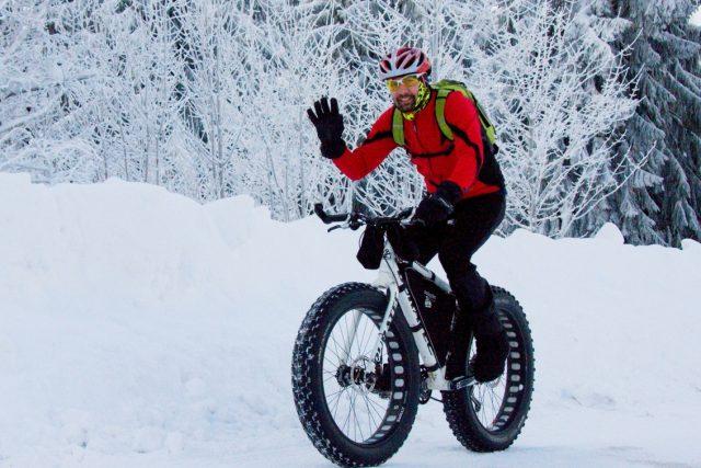 Snowbike neboli sněžné kolo je podle extrémního bikera Jana Kopky hlavně zábava, musí to být ale i adrenalin