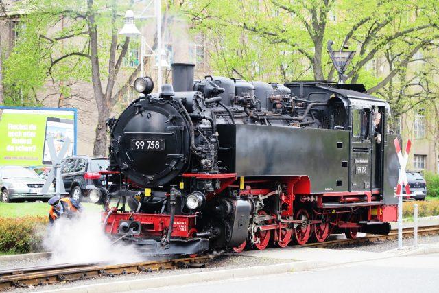 Parní lokomotiva se připravuje na jízdu z německé Žitavy směrem na Oybin a Jonsdorf