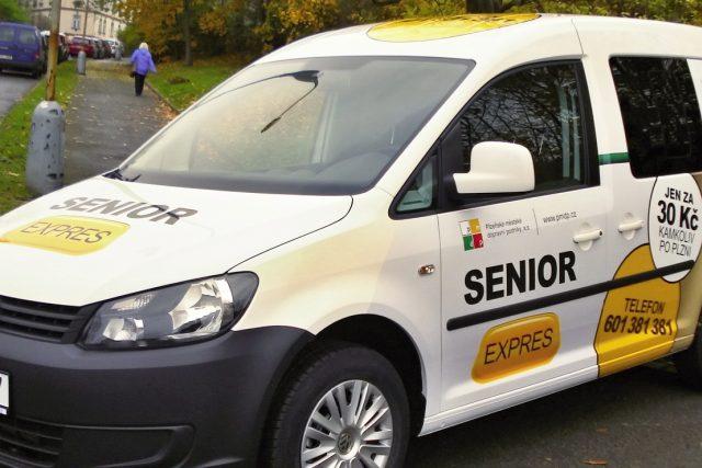 Vozidlo služby Senior Expres