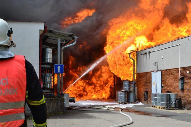 Požár libereckého podniku Severochema