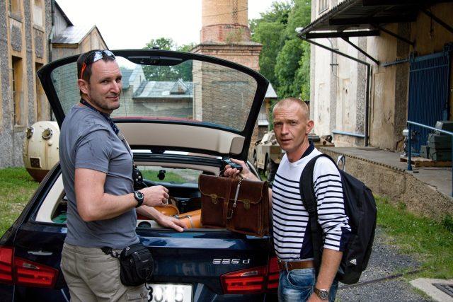 Zleva: Ivan Rous a Pavel Šercl před odjezdem k Atlantiku   foto: Jaroslav Hoření,  Český rozhlas,  Český rozhlas