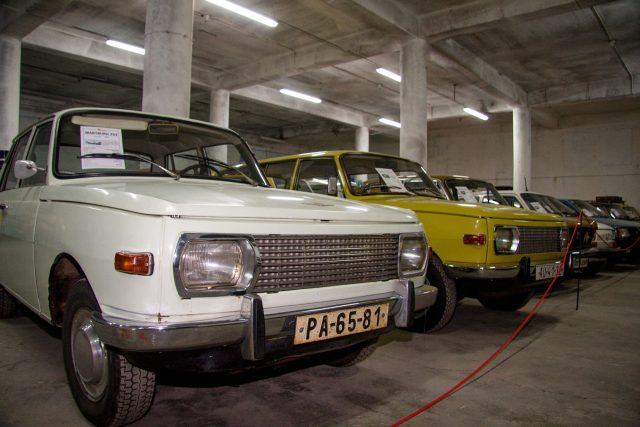 Muzeum socialistických vozů se přestěhovalo z Velkých Hamrů do Železného Brodu