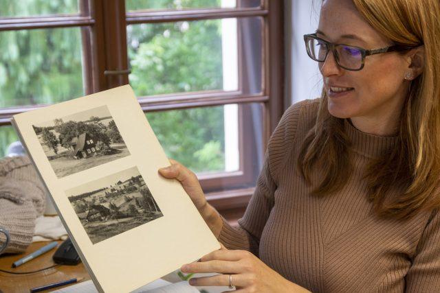 Kurátorka Anna Dařbujanová ze Severočeského muzea v Liberci   foto: Milada Dománková,  Severočeské muzeum v Liberci