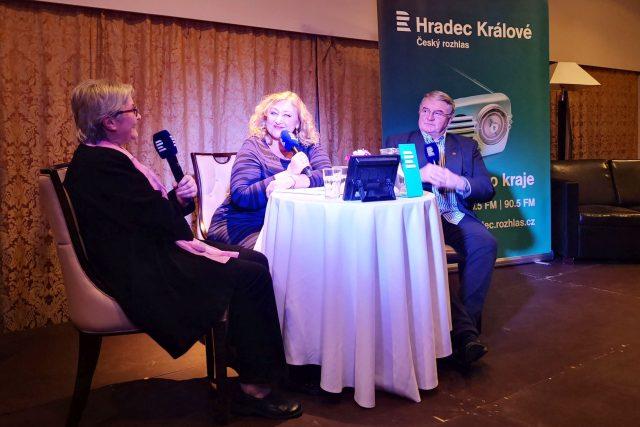 Marta Vančurová a Vlastimil Harapes jsou Na větvi s Halinou Pawlowskou