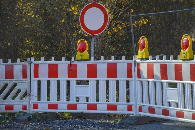 V létě čeká řidiče na silnicích spousta uzavírek a omezení (ilustrační foto)