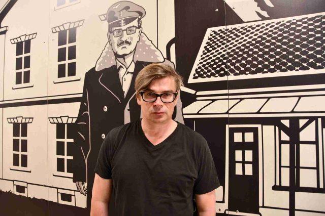 Jaroslav Rudiš v kavárně zmodernizovaného lomnického kina