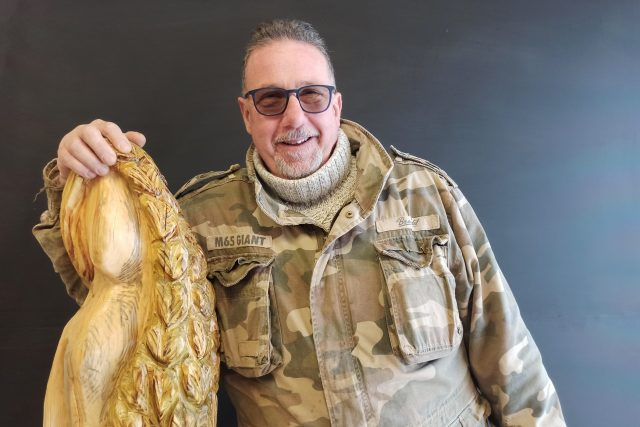 Tomáš Gärtner vyřezává postavy do betlémů už 10 let