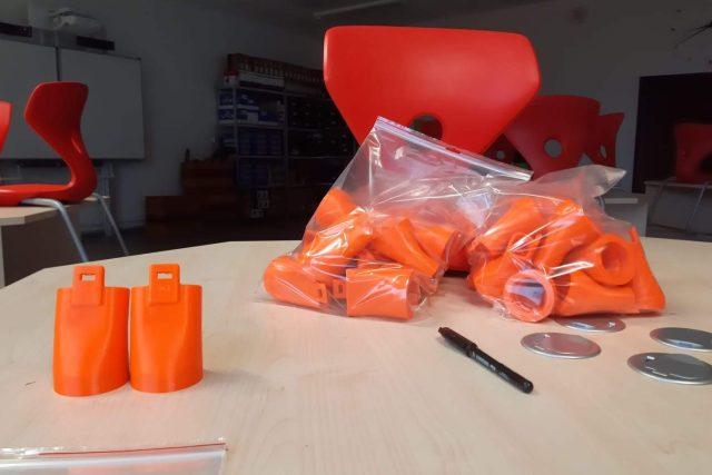 Základní škola v Hrádku nad NIsou vyrábí komponenty k dýchacím přístrojům