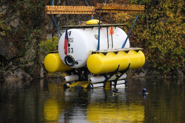 Hydronaut na vodě. Autorem tohoto projektu je Matyáš Šanda