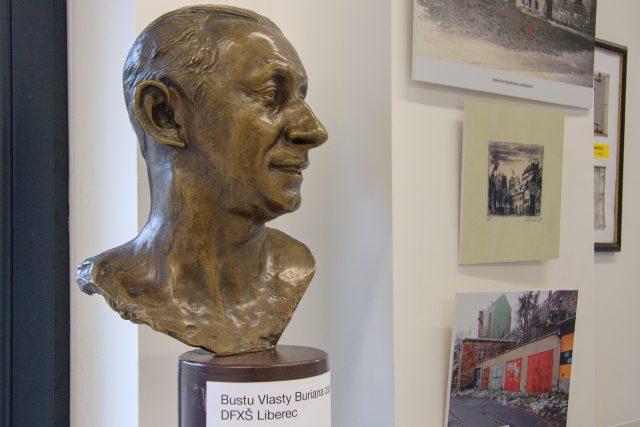 Busta Vlasty Buriana v libereckém Centru Vlasty Buriana | foto: Jaroslav Hoření,  Český rozhlas,  Český rozhlas