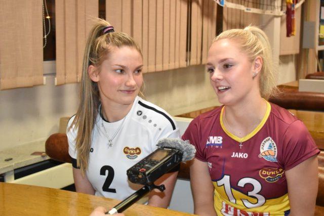 Zleva: Lucie Kolářová a Karolína Bartošová | foto: Martin Veselý