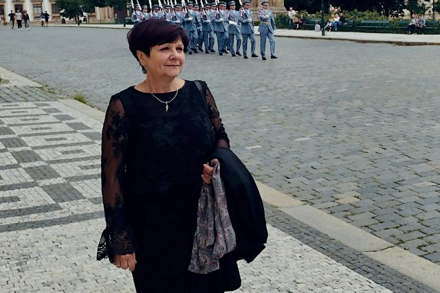 Paní Vladimíra Jakouběová na Pražském hradě | foto: Muzeum Českého ráje v Turnově
