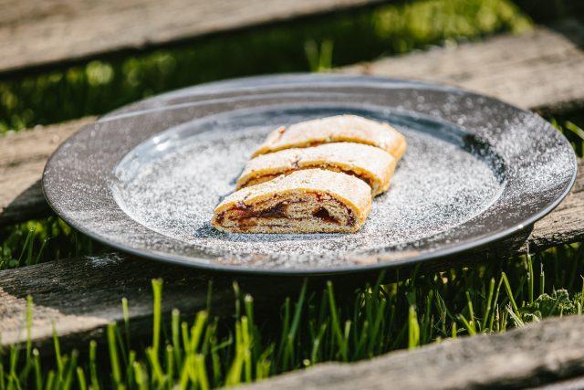 Sladký škvarkový závin s marmeládou od Dagmar Bílecké z Řepiště vás překvapí jednoduchostí i chutí