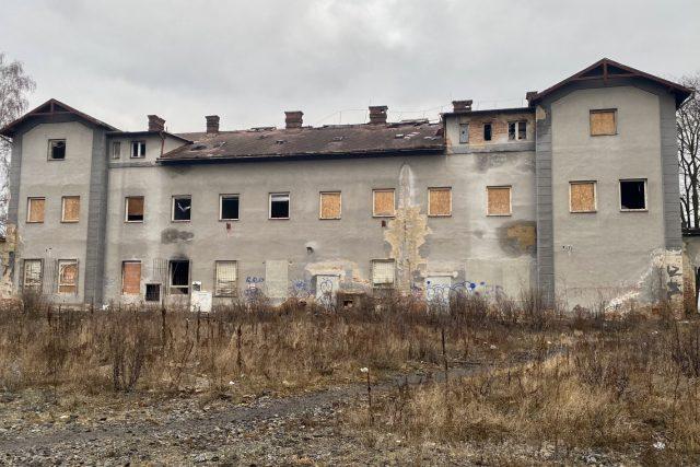 Budova opuštěného nádraží Česká Lípa - město