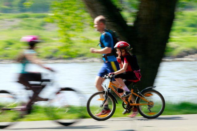 Cyklista, cyklostezka, sport