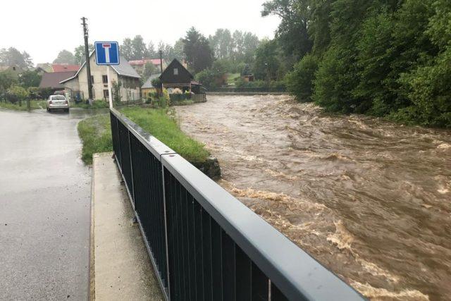 Na Frýdlantsku spadlo za posledních 24 hodin více než 100 litrů srážek na metr čtvereční.