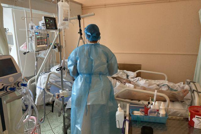 Na covidovém oddělení nemocnice ve Slaném leží asi 50 nakažených