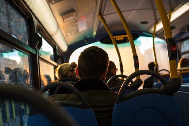 Autobus (ilustrační snímek)