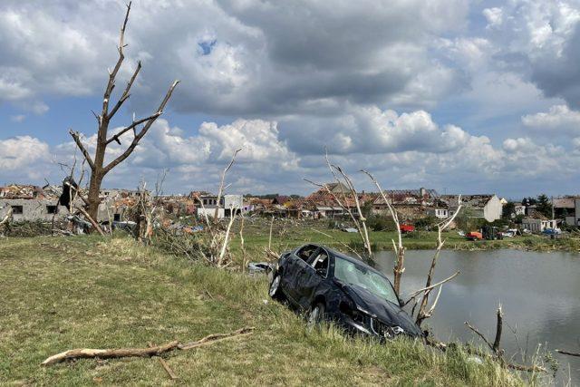 Škody v Mikulčicích,  kde tornádo poničilo téměř půlka obce   foto: Hana Floriánová,  Český rozhlas